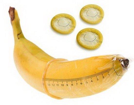 Банан в презервативе